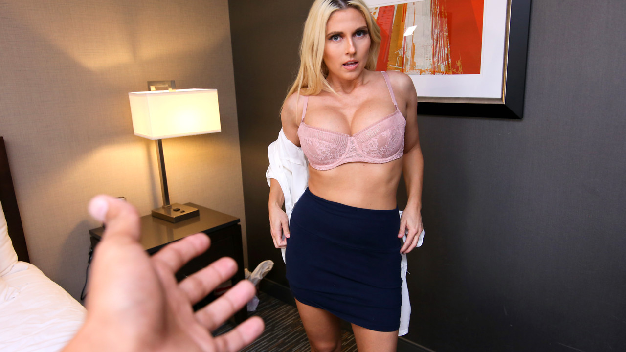 Christie Stevens - Mom Makes Me Cum - S9-E6