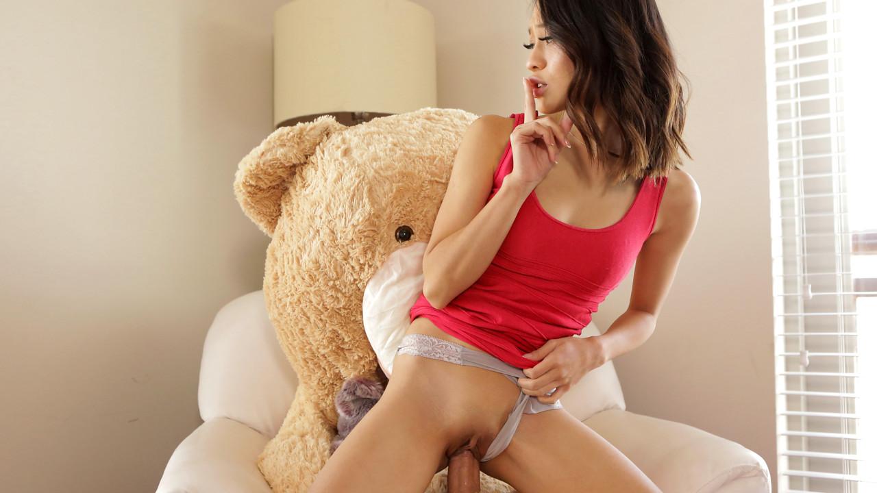 Jasmine Grey Oh Brother Bear S9:E7