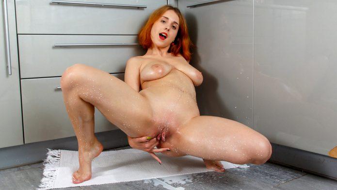 Eva Blade Milky Masturbation