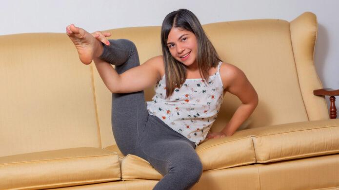 Nubiles Melanie Lobo - Melanies Moves
